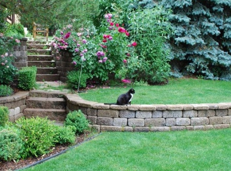 32 Beautiful Front Yard Retaining Wall